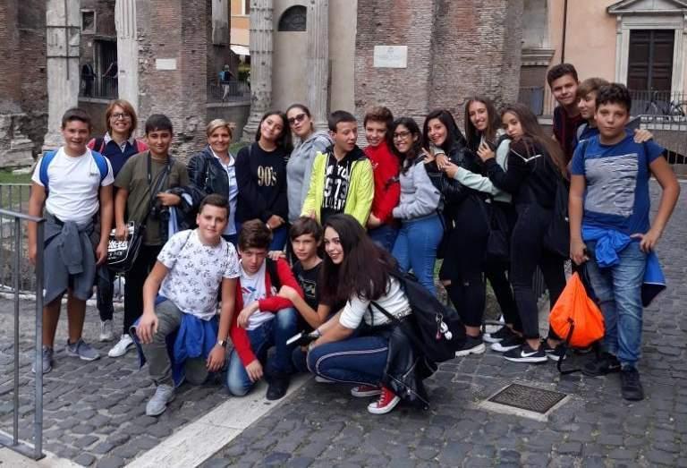 Ladispoli, i ragazzi dell'istituto Melone in visita al Ghetto