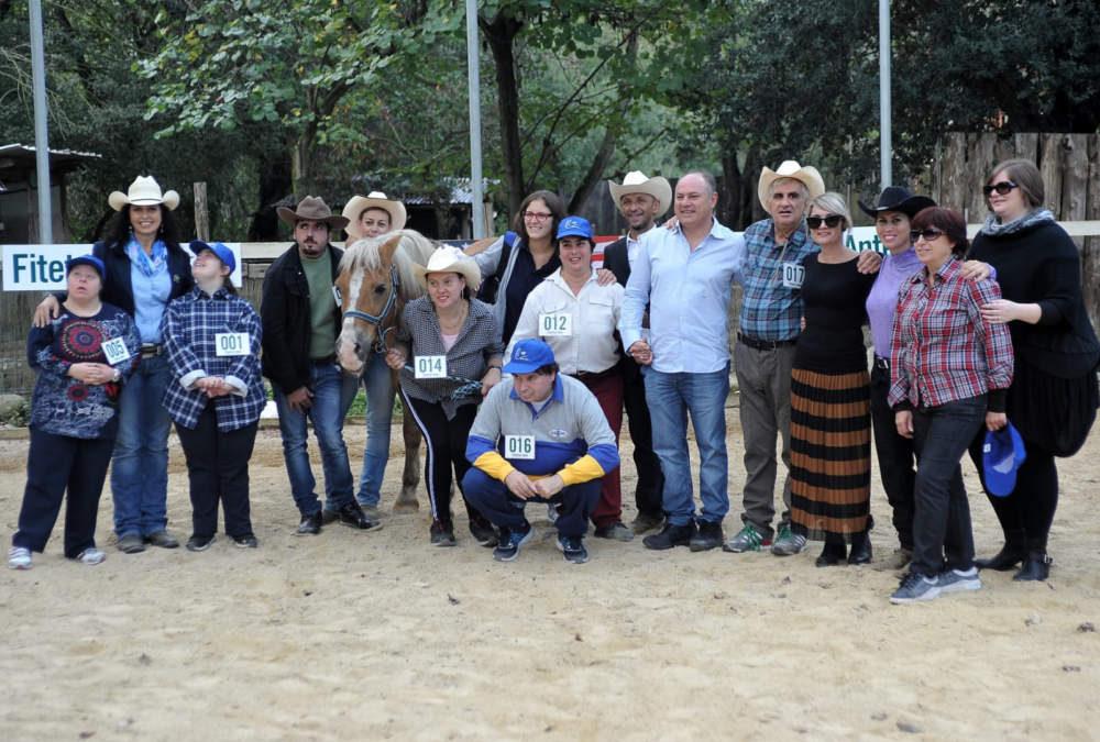 Tolfa, equitazione Performance: applausi per i ragazzi del Centro diurno I Girasoli