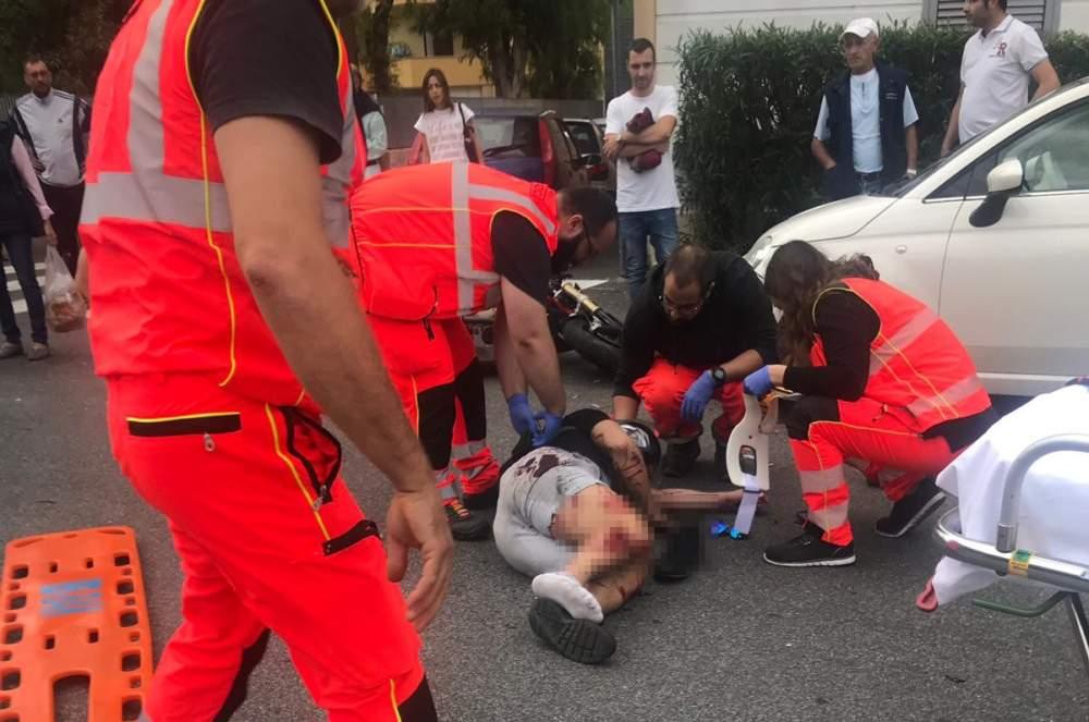 Incidente in città, centauro a terra colpito da un'auto – Anche Tu Redattore
