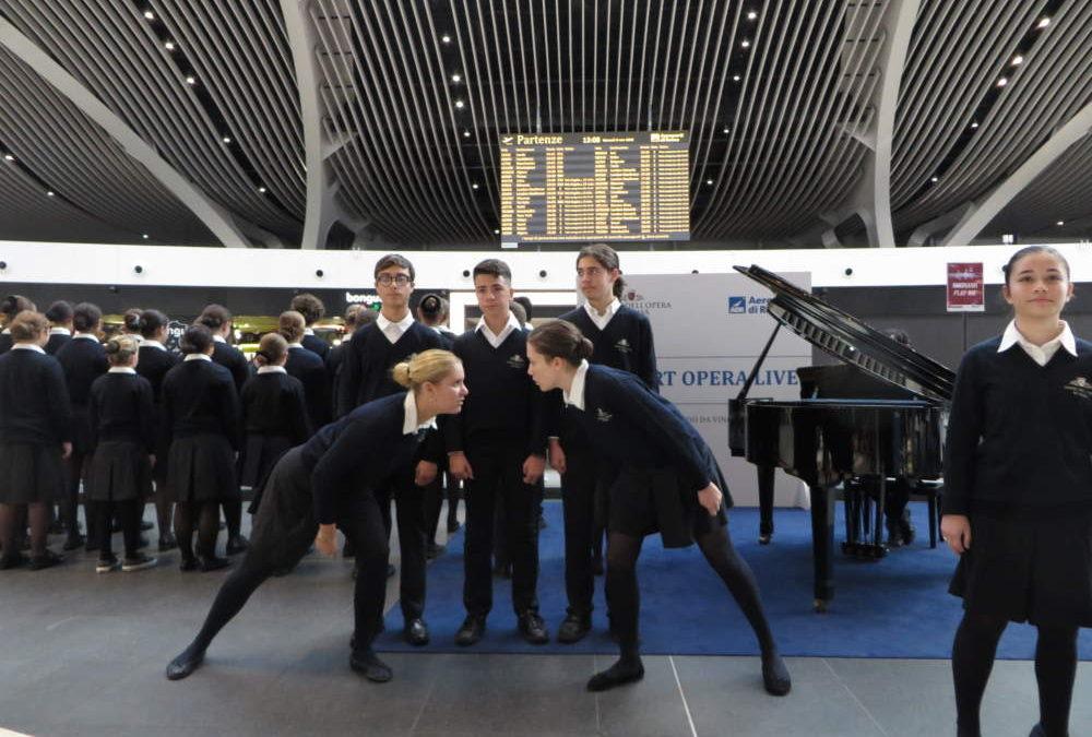 Fiumicino, coro di voci bianche per airport opera live