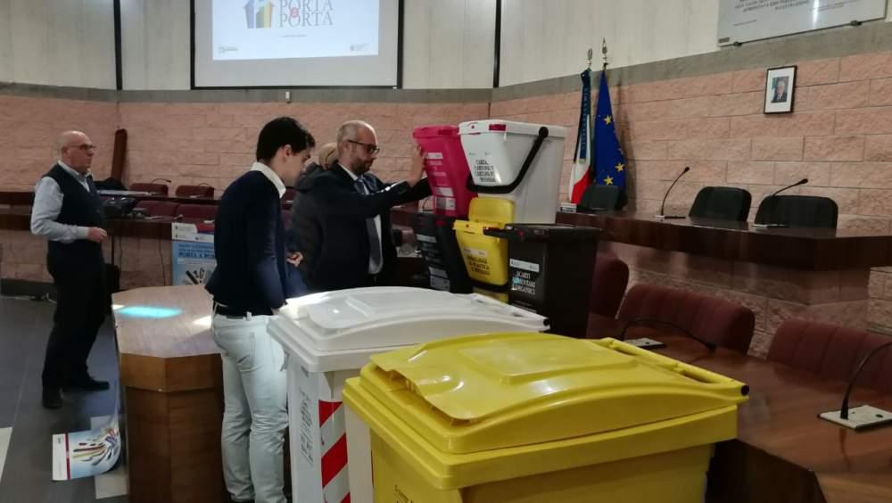 """Porta a porta a Civitavecchia, sabato 19 Gennaio consegna dei Kit all'Aula """"Pucci"""""""