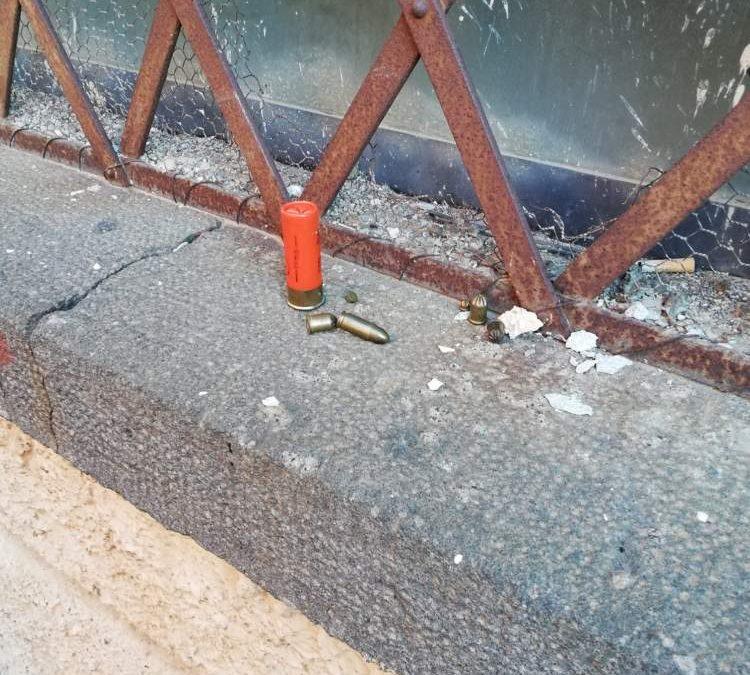 Segnalata cartuccia e proiettili nei pressi di una scuola a Bracciano