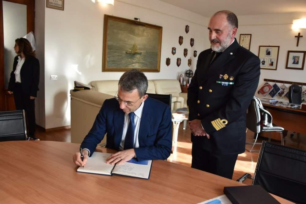 Il Ministro Costa in visita alla Capitaneria di Porto di Civitavecchia