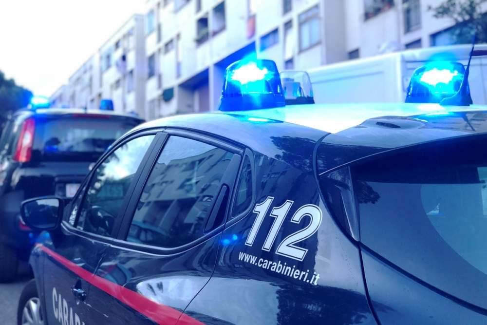Sequestrano l'hacker loro complice: irruzione dei carabinieri a Cerveteri che arrestano gli aguzzini