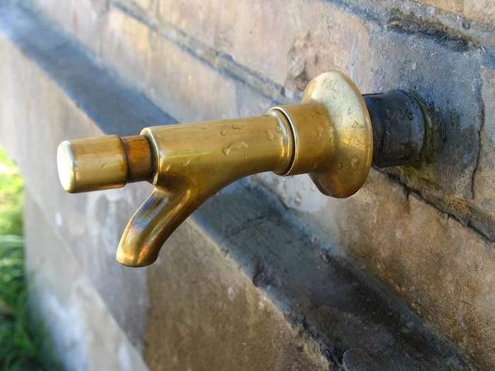 Anguillara, arsenico e fluoruri fuori parametro: immediata non potabilità acquedotto Colle Biadaro