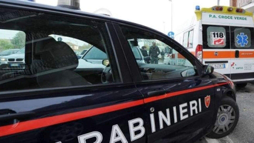 Via Rocca Priora, precipita dal sesto piano: morto 41enne