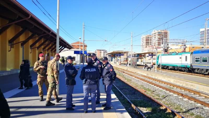 Arrestato ed estradato un rumeno con mandato europeo: trovato a Civitavecchia dalla Polfer