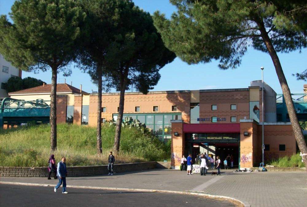 """""""Mi voglio suicidare"""": paura alla stazione di Monte Mario"""