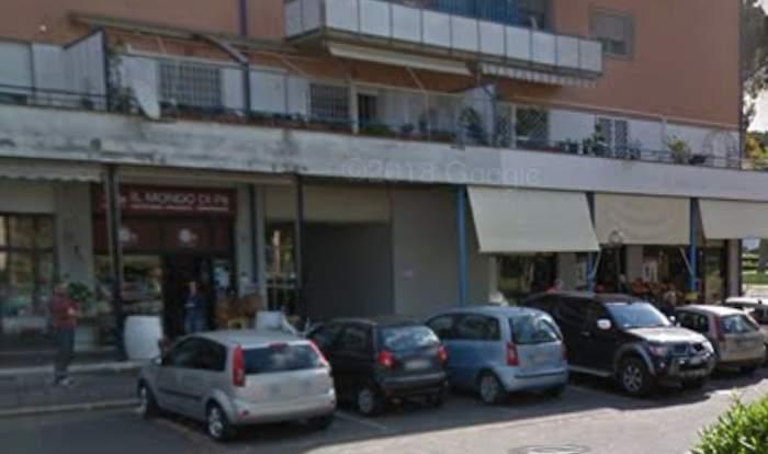 Tavolino Del Bar.Incidente A Casal Palocco Con La Smart Travolge Tavolino