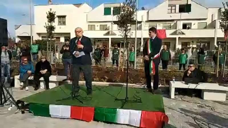 Malore per Massimo Magliaro durante la cerimonia di piazza Almirante
