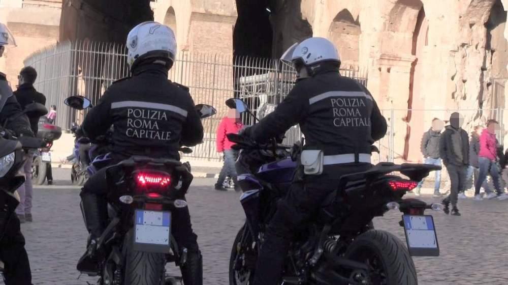 Colosseo, abusivo tenta di sottrarsi a un controllo: arrestato dalla Polizia locale