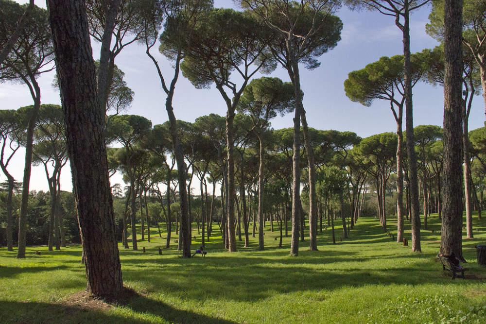 Ripristinate tre targhe a Villa Pamphili