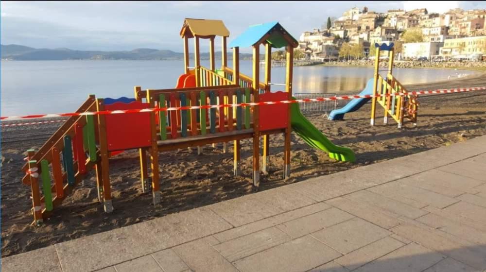 Anguillara, al via l'istallazione dei giochi per bambini sull'arenile di via Reginaldo Belloni