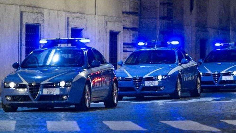 """""""C'è una rissa"""" alla Garbatella, l'intervento della Polizia"""