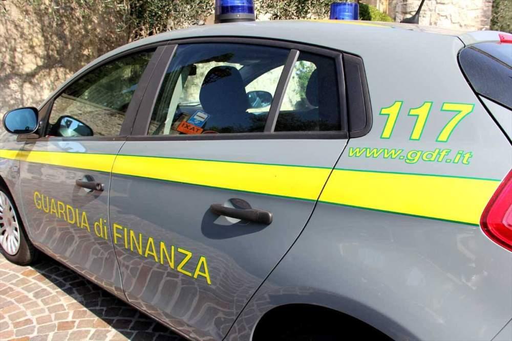 Ventenne arrestato dalla Finanza con un etto di hashish a Santa Marinella