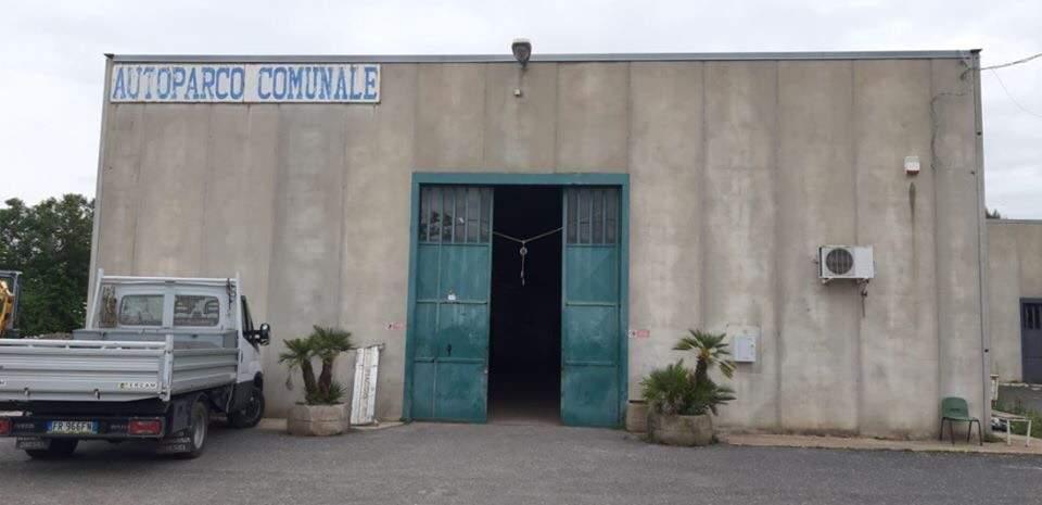 Autoparco comunale Anguillara: iniziata la bonifica della copertura in amianto