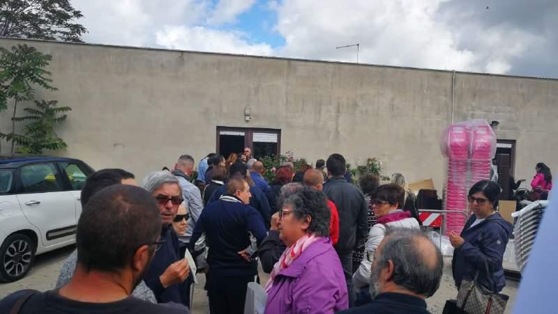 Cassonetti spariti e mastelli da distribuire: è caos rifiuti a Civitavecchia