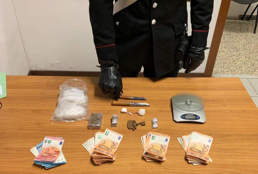 Soldi e droga in casa: manette a un pusher 49enne dai Carabinieri di Bracciano