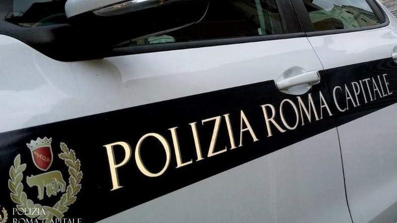Incidente all'Infernetto, scontro tra due auto: grave 62enne