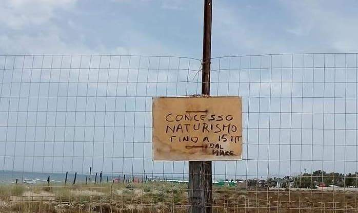 Fiumicino, a Maccarese spunta la spiaggia per nudisti