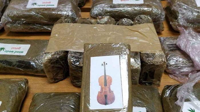 Don Bosco: spedizioni stupefacenti, a bordo di scooter con 260 panetti di hashish e una busta di marijuana