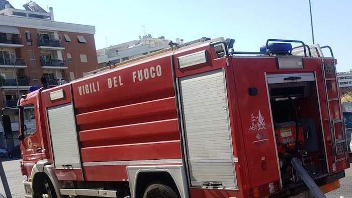 Incendio a Casal Monastero: fiamme in una cantina