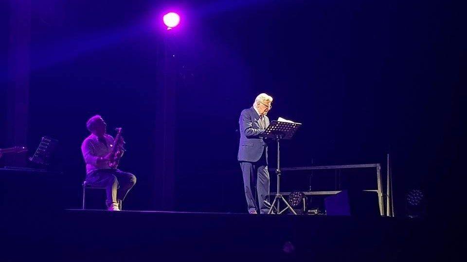 Cerveteri, Giancarlo Giannini lascia a bocca aperta la Banditaccia