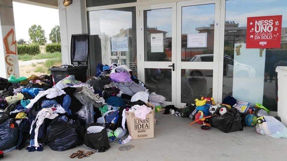 Ladispoli, Humanitas furiosa per i materiali abbandonati alla sede