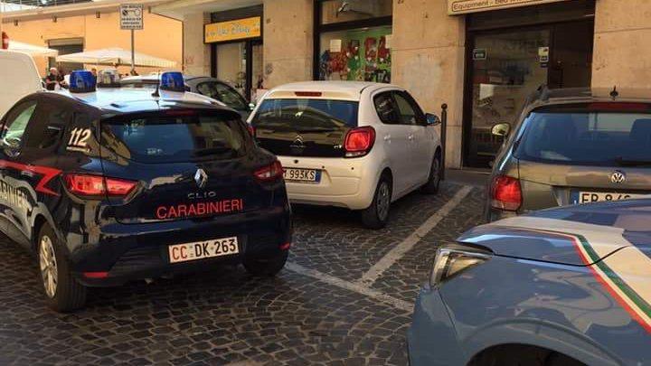 Rissa al mercato fra tunisini ed egiziani: intervengono polizia e carabinieri a Civitavecchia