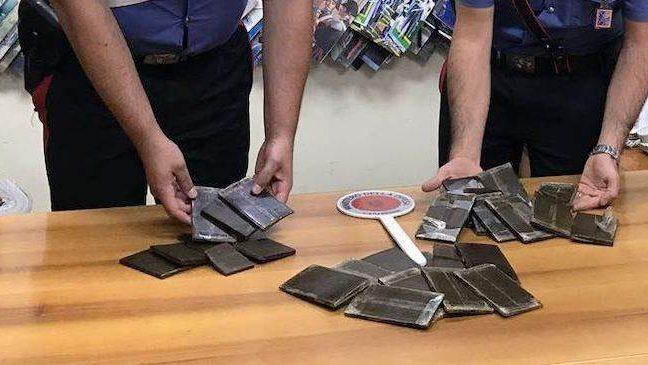 Pigneto: scoperta stupefacente, 25enne trovato con 5 chili di hashish