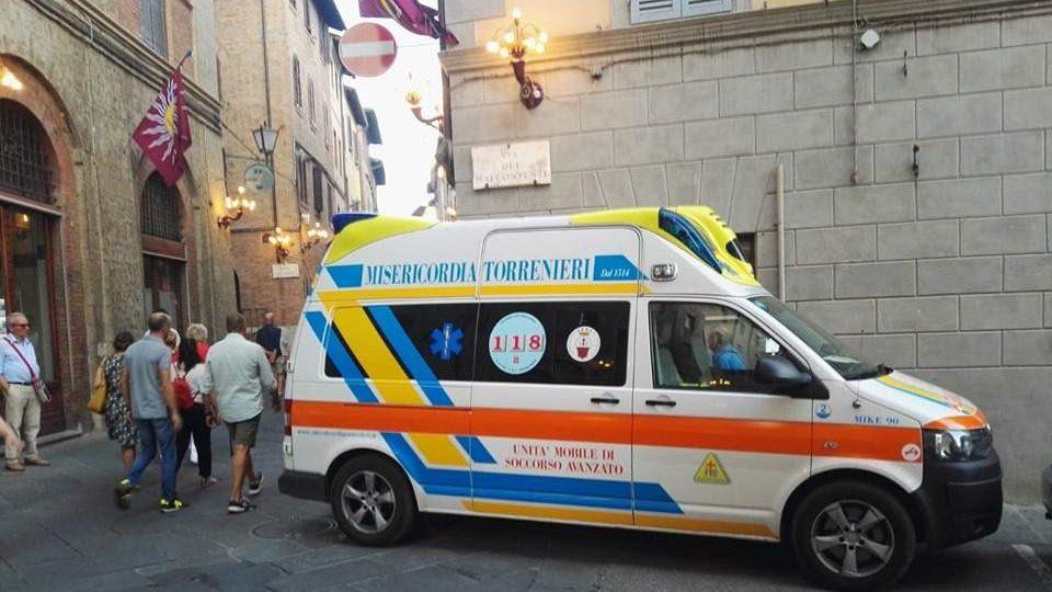 Muore durante la prove del Palio di Siena un uomo di Tarquinia: donati gli organi