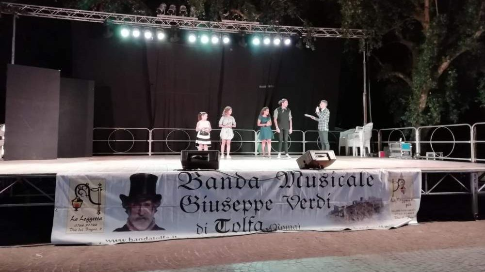 A Tolfa è tempo di musica con la gara Cantando Sotto la Rocca