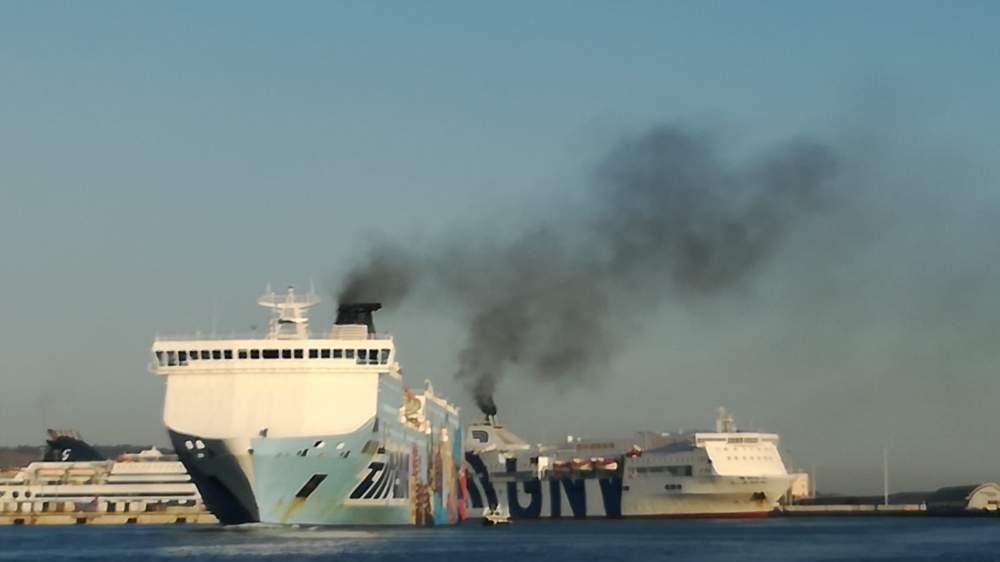Civitavecchia, mozione Pd contro i fumi delle navi in porto