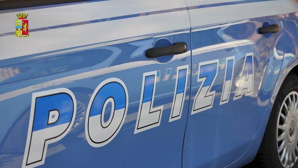 Fiumicino: tenta furto in appartamento poi armato di coltello aggredisce poliziotti