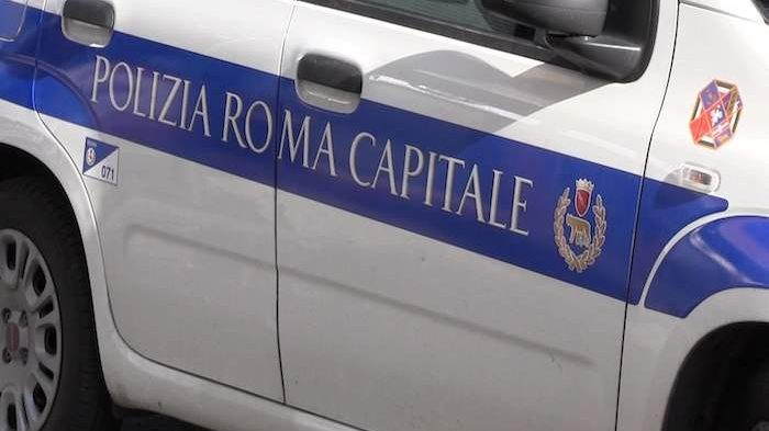 Incidente su via Casilina: scontro Volante Polizia e ambulanza