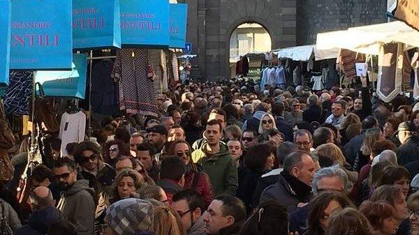 """""""Gli Ambulanti di Forte dei Marmi"""" a Viterbo domenica 29 settembre"""