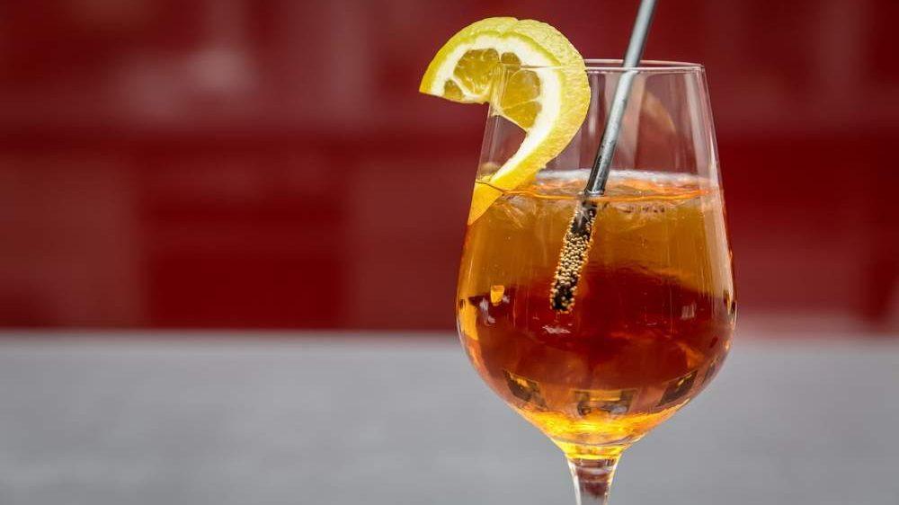 Una birra come ferie, lo spritz vale uno straordinario: a Ladispoli l'Aperitivo dei Diritti