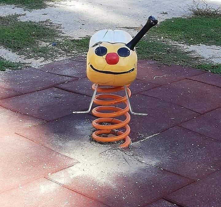 Ladispoli, in piazza de Michelis i vandali restano nonostante le telecamere