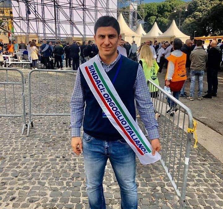 Grando con il tricolore alla festa della Lega: il disappunto del Comitato per la legalità