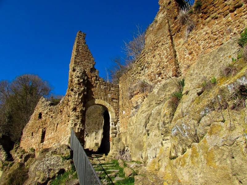 Canale, si restaura il borgo di Monterano con i fondi Fai