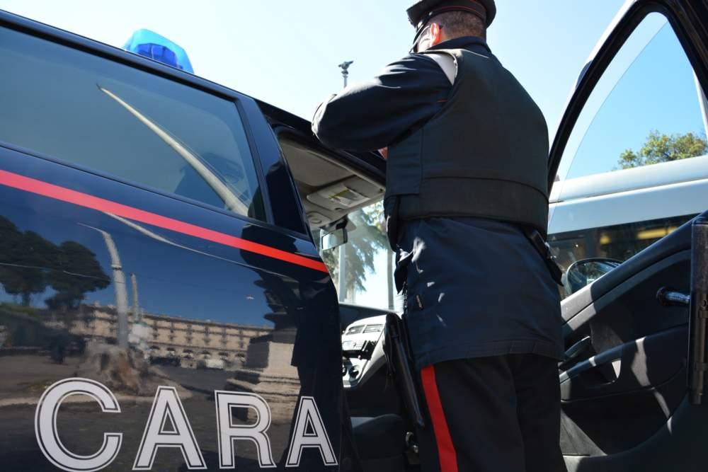 Ruba il telefono al barista: arrestato dai carabinieri un pregiudicato di Oriolo