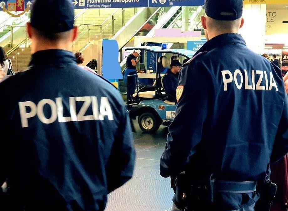 Bambina di 4 anni si perde a Roma Termini: accudita dalla Polizia, rintracciati i genitori