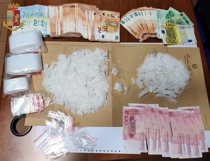 Sequestrati più di 6 etti shaboo, arrestato 51enne
