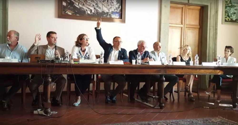 """Bracciano, Tondinelli al M5s: """"Accuse sconclusionate e inesistenti"""""""