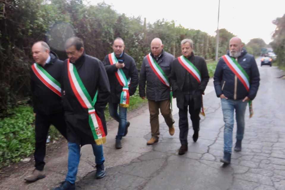 """Discarica, i sindaci a Giulivi: """"Ci ripensi"""""""