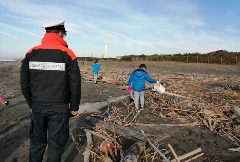 Montalto, studenti e Guardia Costiera contro la plastica in mare
