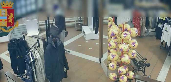In tre rapinano 47.490 euro, incasso di una profumeria: arrestati