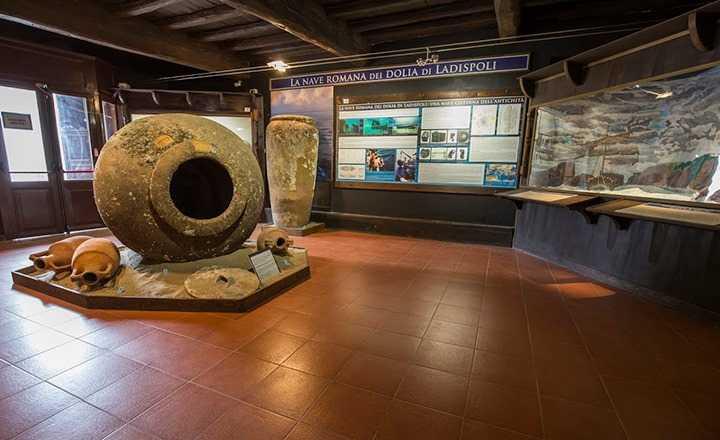 """Al Castello di Santa Severa la mostra """"Segni, spessori, forme e materie"""""""