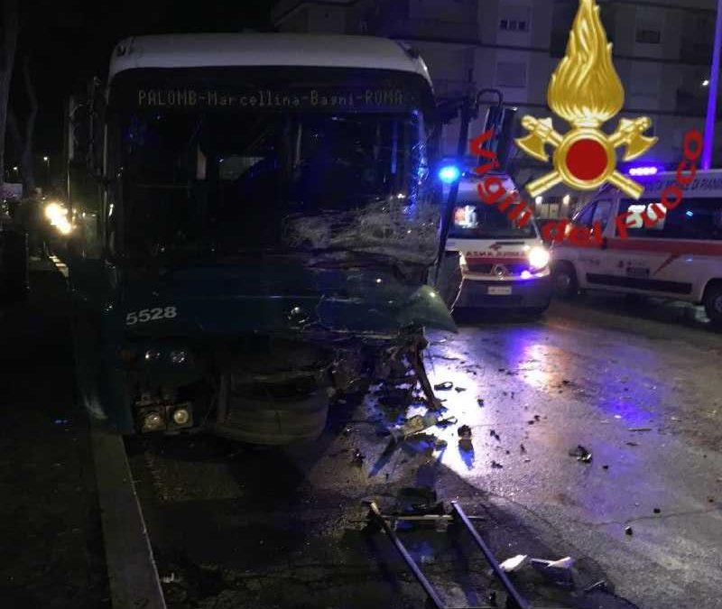 Incidente a Tivoli, Panda contro bus Cotral: morti due ventenni