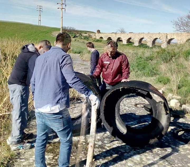 "Tarquinia nel Cuore pulisce le ""arcatelle"" dell'acquedotto sull'Aurelia Bis"